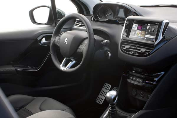 Review of Peugeot 208 Allure 1.4 HDI