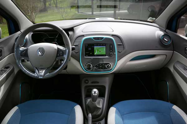 Inside the Captur feels like an MPV with lots of space