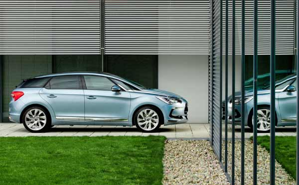 The DS5 was selected by Top Gear magazine Family Car of the Year 2012