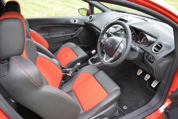 New-Ford-Fiesta-ST2