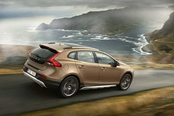 Volvo V40 D3 Cross Country Geartronic - wheelsforwo.ie