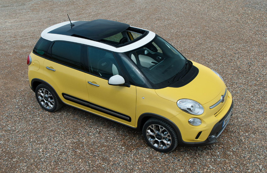The 500L Trekking's high impact rugged appearance is further emphasised by increased ride height and unique tyres