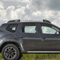 Nikki Hayes drives the Dacia Duster