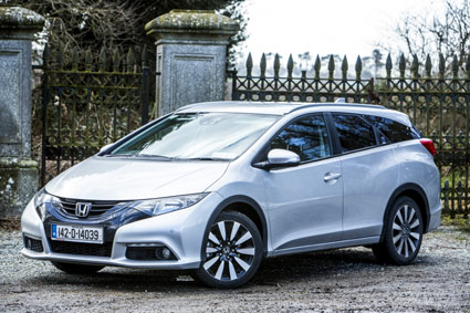 Honda-Civic-Estate-Review-w