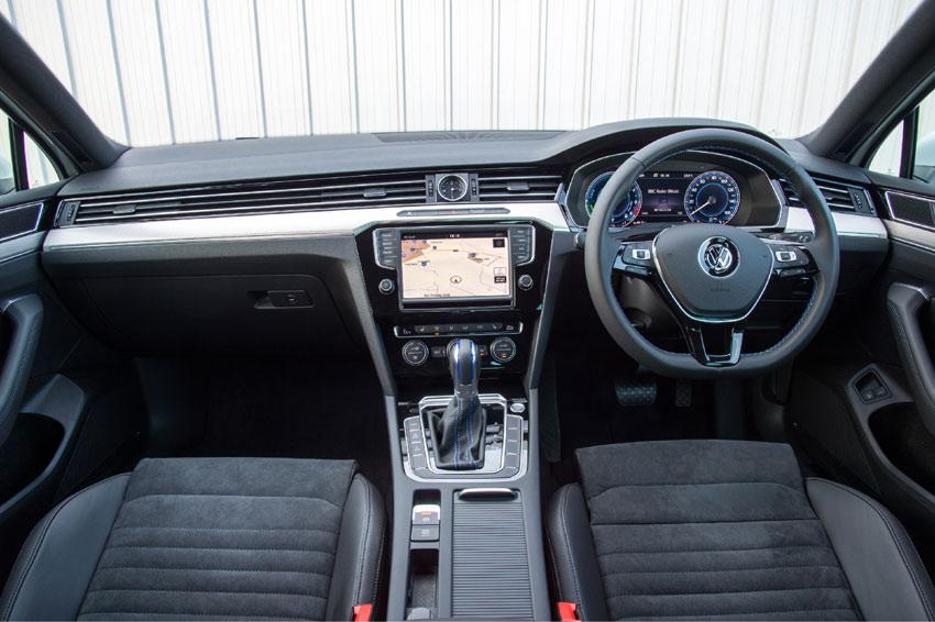 Inside the Volkswagen Passat GTE