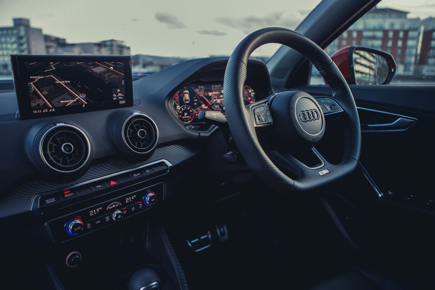 Along with the optional Audi virtual cockpit and the head-up display, the driver assistance systems for the Audi Q2 also come from the larger Audi models
