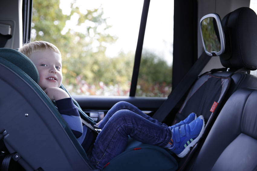 Suzanne Keane Checks Out The Diono Radian 5 Car Seat